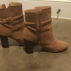 Heeld boots color brown. Size EU 41, US 9,5